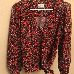 Universal Threads red floral tie top
